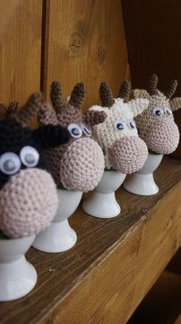 Eierwärmer zu Ostern mit Kuh - Häkelanleitung via Makerist.de