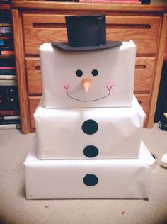 Snowman-wrapped gifts #giftwrapping #holidays #christmas