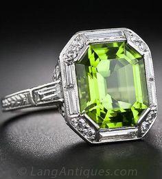 Antique peridot and diamond platimun ring, ca.1925.