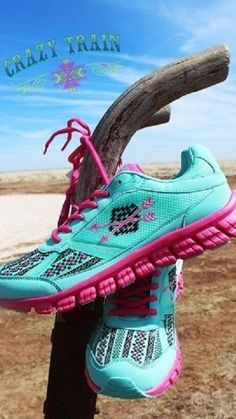 Crazy Train Women's Follow Your Arrow Athletic Shoes Turquoise Sz 11-Fit like 10 #CrazyTrain #Athletic