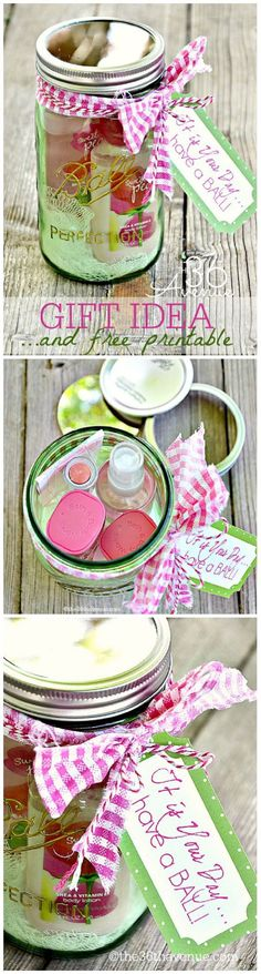 10 Adorable Mason Jar Crafts - GleamItUp