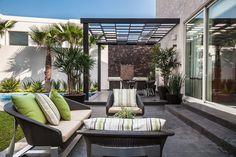 10 Terraços Modernos Que Vão Inspirar Você a Redecorar o Seu (De Fernanda Maranha - homify)