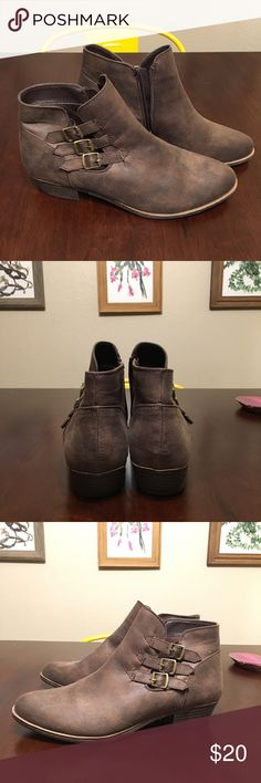 """Brown Just Fab Side Buckle Booties •[SIZE 10]• • Just Fab booties • Never worn • 3 side buckles • Inner side zipper • 1"""" heel • Dark Brown • Faux leather • Size 10 • NWOT •  These brown Just Fab booties have never been worn. They're super cute with the side buckles and are ready to rock! Just Fab Shoes Ankle Boots & Booties"""
