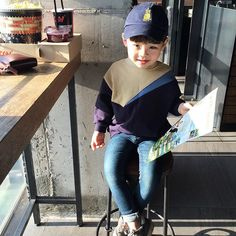Pinterest:@hannahk2925 Cute Asian Babies, Korean Babies, Asian Kids, Cute Babies, Little Boy Fashion, Baby Boy Fashion, Toddler Fashion, Kids Fashion, Baby Boy Outfits