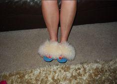 Sleepwear Women, Fur Slides, Slippers, Nyc, Sandals, Fashion, Heeled Sandals, Moda, Sneakers
