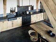 1-cuisine-scandinave-cuisine-en-bois-massif-cuisine-plan-de-travail-bois-chene-massif-meuble-cuisine-bois