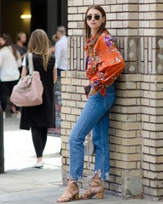 Get the jeans for at Asos UK - Wheretoget Slim Mom Jeans, Buy Jeans, Ripped Jeans, Fall Outfits, Cute Outfits, Trendy Fashion, Womens Fashion, Casual Wear, Asos Uk