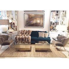 Nuevas mesas espejo Fume! Y alfombra trenzado matural! MESTIZO #mestizo #mestizostore - mestizo_store