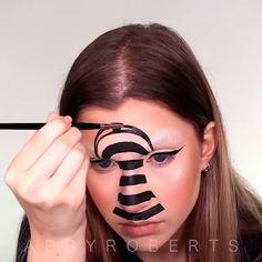 Horror Makeup, Scary Makeup, Cute Makeup, Halloween Makeup Clown, Amazing Halloween Makeup, Halloween 2020, Couple Halloween, Bold Makeup Looks, Creative Makeup Looks