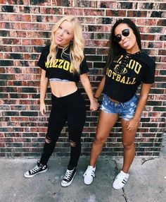 ♡ you cant hide that pride College Games, College Game Days, College Life, College Football, Tailgate Outfit, Tailgating Outfits, Friend Poses, Football Outfits, Spirit Wear