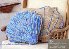 *Free Crochet Pattern:  Stitch Seashells