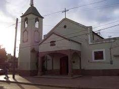 Actualmente Capilla Santa Rosa. Calles asfaltadas: Uruguay y esquina Mercedes Franco.