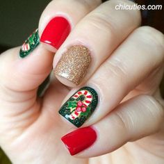 Festive Christmas Nail Designs for An outstanding Christmas nail art can help you get into the Christmas spirit.Hopefully you will find yours from this list and make you stand out this season. Cute Christmas Nails, Christmas Nail Art Designs, Xmas Nails, Holiday Nails, Christmas Candy, Acrylic Nail Designs, Acrylic Nails, Cute Nails, Pretty Nails