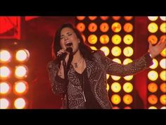 Demi Lovato Performs Heart Attack