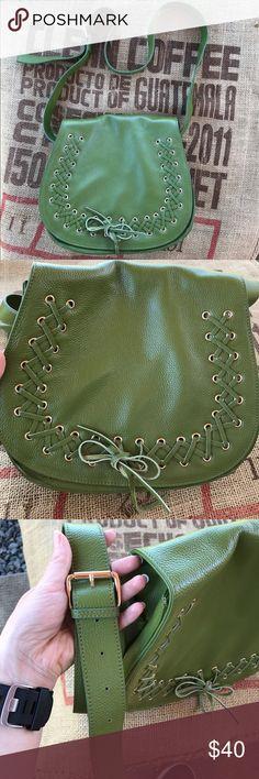 Violetta Crossbody Gorgeous olive green Violetta cross-body in like new condition. Adjustable strap. Violetta Bags Crossbody Bags