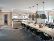 keuken van vergrijsd hout