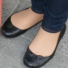 Ballerina Slippers, Ballerina Shoes, Ballet Flats, Ballerinas, Cute Pumps, Feet Soles, High Heels Stilettos, Bikinis, Footwear