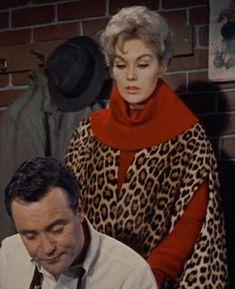 The Bettie Vintage Page: Kim Novak in leopardprint