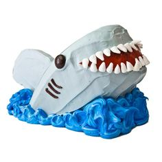 Sweet! How to make a shark birthday cake with mini-marshmallows with an easy, step-by-step recipe, diagrams and pictures