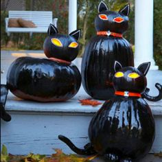 Diy Halloween   http://www.goodhousekeeping.com/holidays/halloween-ideas/halloween-glitter-decorations#slide-6