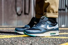 nike-air-max-1-ivory-dark-grey-2