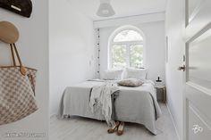 Myytävät asunnot, Vanha Hirvensalontie 4, 20810 Turku  #oikotieasunnot #makuuhuone #bedroom