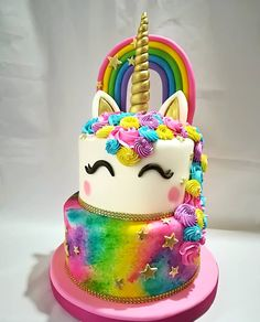 28 Ideas for birthday girl cake ideas life Unicorn Themed Birthday Party, Girl Birthday, Cake Birthday, Unicorn Birthday Cakes, Birthday Ideas, Birthday Wall, Bolo Tumblr, Unicorn Cupcakes, Unicorn Rainbow Cake