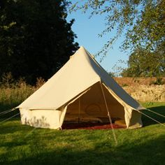Retro style bell tent.  How cool would this be in a summer field?  #tent