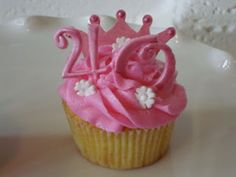 Pink 40th birthday cupcake
