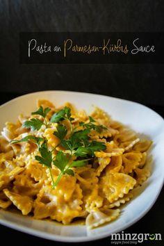 Pasta an Parmesan-Kürbis Sauce Pasta with parmesan pumpkin sauce // Great for guests too and it' Pumpkin Recipes, Veggie Recipes, Pasta Recipes, Vegetarian Recipes, Healthy Recipes, Dinner Recipes, Noodle Recipes, Veggie Food, Sauce Recipes