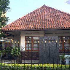 #BdgDailyPic Kediaman Ibu Inggit Garnasih di Jl. Inggit Garnasih (Ciateul) Ada yg belum tau? Yuk napak tilas Soekarno
