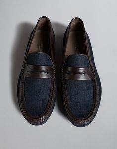 Dolce & Gabbana Online Store, shop on the official store exclusive clothing and accessories for men and women. Harris Shoes, Formal Loafers, Men's Shoes, Dress Shoes, Exclusive Clothing, Driving Shoes, Loafers Men, Oxford Shoes, Men's Footwear