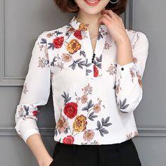 Foxmertor 2017 Chiffon Blouses Elegant Print Blouses Summer Blouse Shirt Women V-Neck Wear to Work Fashion Lady Tops Work Fashion, Modest Fashion, Fashion Outfits, Sewing Blouses, Summer Blouses, Beautiful Blouses, Printed Blouse, Floral Blouse, Blouse Designs