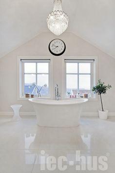 Er dette tidenes fineste bad? Følg en av våre kunder @the_diana_house på Instagram for masse god inspirasjon // IEC-HUS Alcove, Home, Houses, Modern, Ad Home, Homes, Haus