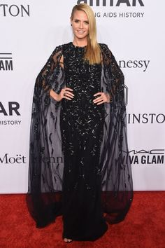 Pin for Later: Your Favorite Models and It Girls Wore the Sexiest Dresses to the amfAR Gala Heidi Klum Wearing a Zuhair Murad dress and Lorraine Schwartz jewels. Home Fashion, New York Fashion, Star Fashion, Heidi Klum, Diane Kruger, Lorraine Schwartz, Blake Lively E Ryan Reynolds, Red Carpet Dresses 2016, Zuhair Murad Dresses