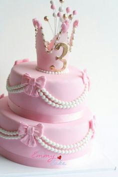 Beautiful princess cake with pearls and bows
