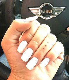 Close up white square nails Long Square Nails, Square Acrylic Nails, Hot Nails, Hair And Nails, Super Nails, Artificial Nails, Cute Nail Designs, Blue Nails, Gorgeous Nails