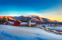 My favorite mt in Vt! Beautiful Places To Live, Wonderful Places, Beauty Around The World, Around The Worlds, Places To Travel, Places To See, Vermont Winter, New England States, Mountain States