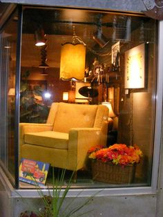 Today's New Featured Item! A mint condition Sunny Yellow Lounger from 1950 for a rainy day! Now at Retro!