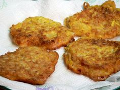 Squash Fritters Recipe : Taste of Southern Squash Fritters, Vegetable Sides, Baked Beans, Food Illustrations, Green Beans, Side Dishes, Easy Meals, Veggies, Appetizers