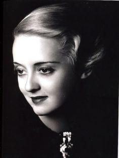 Bette Davis, 1930s