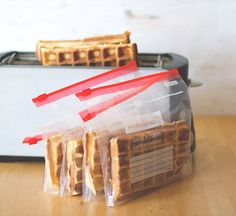 Tips and basic recipe for thick, crispy waffles - freshly baked and frozen from the toaster! - Tips and basic recipe for thick, crispy waffles – freshly baked and frozen from the toaster! Breakfast Pastries, Sweet Pastries, Breakfast Snacks, French Pastries, Greek Recipes, Italian Recipes, Recipe Fo, Basic Recipe, Crispy Waffle