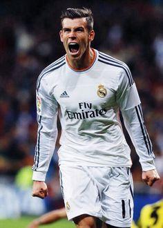Gareth Bale, from Tottenham to Real Madrid Best Football Team, Football Soccer, Soccer Ball, Garet Bale, Real Madrid, Messi, Bale 11, Cristiano Ronaldo 7, Football Highlight