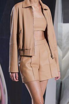 Vogue Fashion, Fashion Brand, High Fashion, Fashion Show, Fashion Outfits, Womens Fashion, International Fashion Designers, Look Chic, Vogue Paris