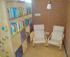 boekenhoek Hoera, ik ga naar groep 3! Reading Nook, Corner Desk, Halloween, School, Furniture, Home Decor, Corner Table, Decoration Home, Room Decor