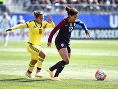 Christen Press and Leicy Santos of Colombia, April 10, 2016. (Eric Hartline/USA Today Sports)