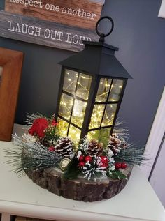29 Inspiring ideas for rustic Christmas lanterns for your porch decoration: Page 16 of Creative Vision Design – christmas decorations Lantern Christmas Decor, Country Christmas Decorations, Christmas Centerpieces, Rustic Christmas, Xmas Decorations, Christmas Diy, Christmas Wreaths, Diy Christmas Arrangements, Holiday Decor