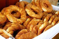 Εύκολα, αφράτα, γρήγορα και με ελάχιστες θερμίδες σπιτικά κουλούρια Θεσσαλονίκης! Δείτε την υπέροχη συνταγή.