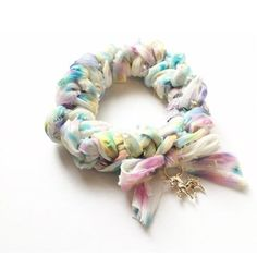 Textile Jewelry, Fabric Jewelry, Jewellery, Scrunchies, Felt Bracelet, Diy And Crafts, Crafts For Kids, Diy Hair Accessories, How To Make Bows