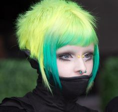light green turcoise black contrast (nat likes green so i'm trying to find green hair for her)